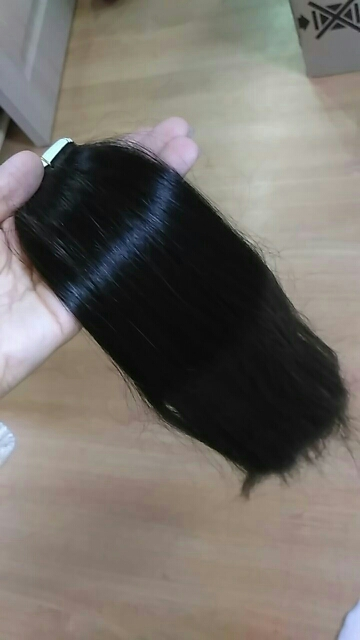 Очень быстро! 10 дней) просто отлично, одной пачки хватит для тех у кого жиденькие волосы, для более же густых волос определённо необходимо пачки 2-3, волоски натуральные, плюс продавец дал запасные клейкие полоски, кончики волос такие же как и у основания)очень довольна товаром)