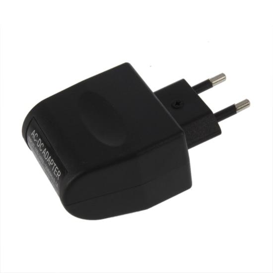 F06389  Car Power Converter 6W 220V 12V AC-DC Charger Adapter Conversion Plug