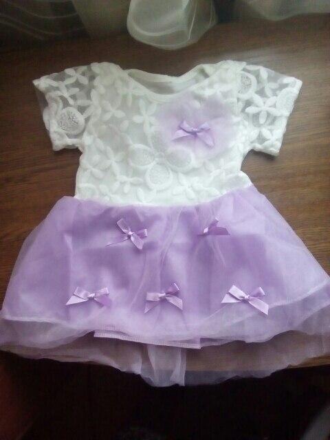 платье шикарное, ребенку 5,5м нам как раз , заказывала 4-6м. нитки не торчат ,  очень довольна. рекомендую платье и продавца. товар отслеживается по России!