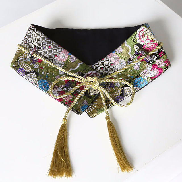 Расшитый пояс в этническом стиле, украсит брюки или юбку