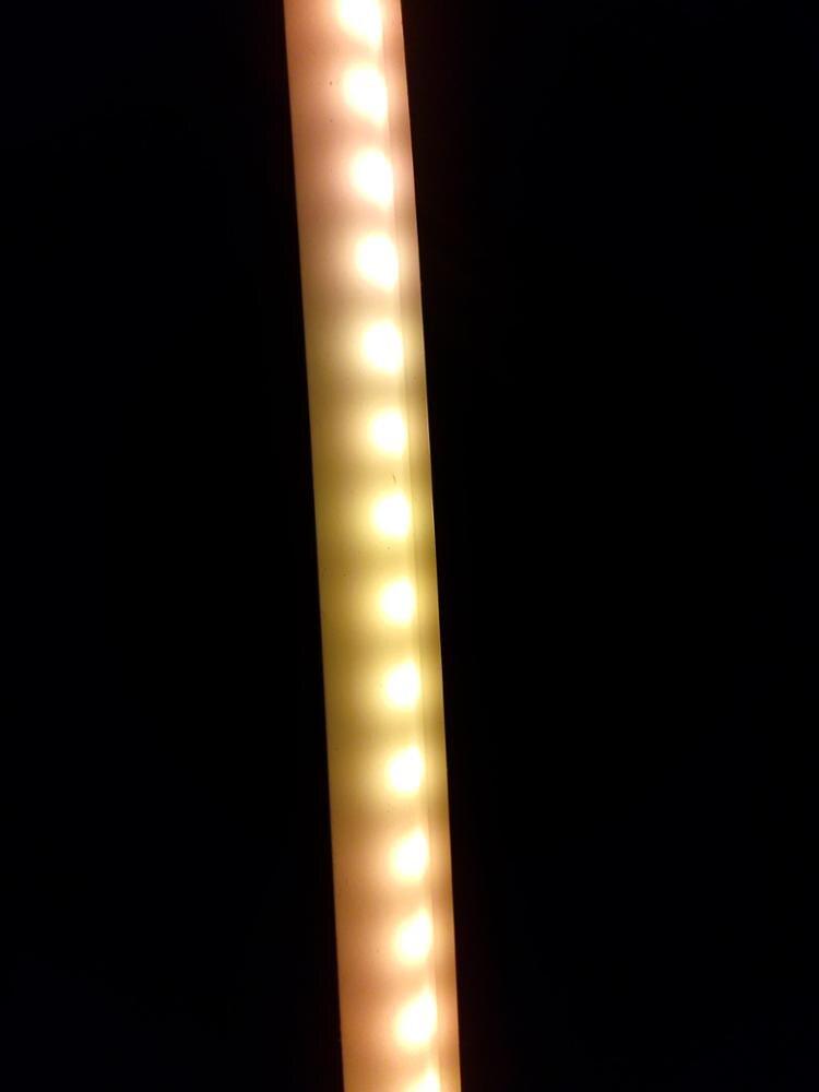 яркость неахти. свет неравномерный . думал будет лучше.