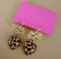 БЖ элегантные серьги леопард в форме сердца серьги с луки бесплатная доставка / # yb063