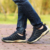 2017 NUEVA primavera para hombre cerdo suede Chian de calidad superior diseñador de la marca de moda zapatos de los hombres ocasionales cómodos sapato masculino envío gratis