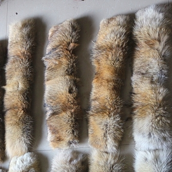 Wholesale Factory price natural color real coyote fur collar trimming/fox fur strips
