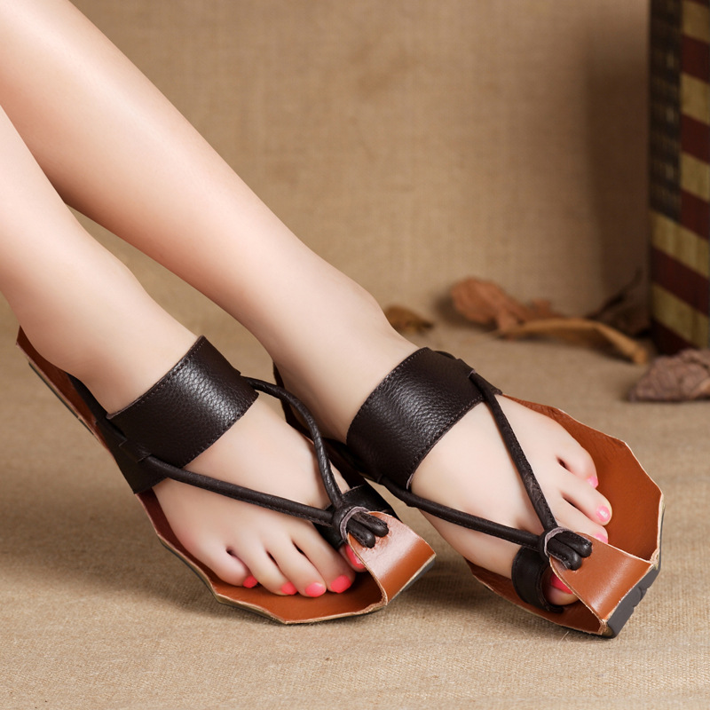 Women's Leather Closed Toe Sandals