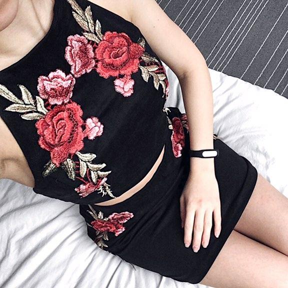 Костюм под замшу (юбка + топ) с красивой вышивкой с Алиэкспресс