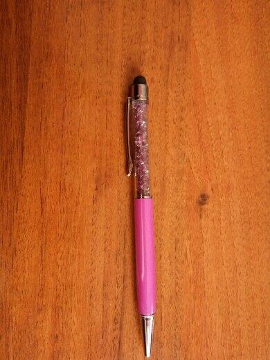 Очень достойные ручки! Все 5 штук сразу разлетелись на подарочки) Буду брать еще)))