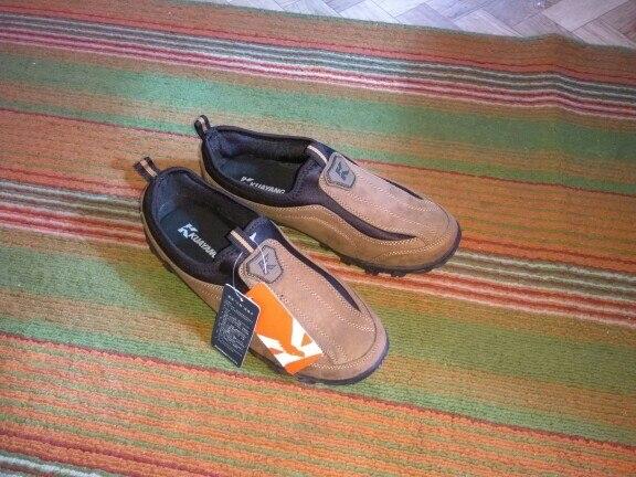 Отлично, качество очень хорошее. На свой 40-й, заказал 8. Сели хорошо, но хотелось бы поплотнее обхват, хотя может у меня нога худенькая и подъем не высокий. Не уверен, что 7 подошел бы. Запах немного резины есть, но это от подошвы, для новой обуви считаю это нормально. За такую цену и такое качество это просто супер. Всем рекомендую.