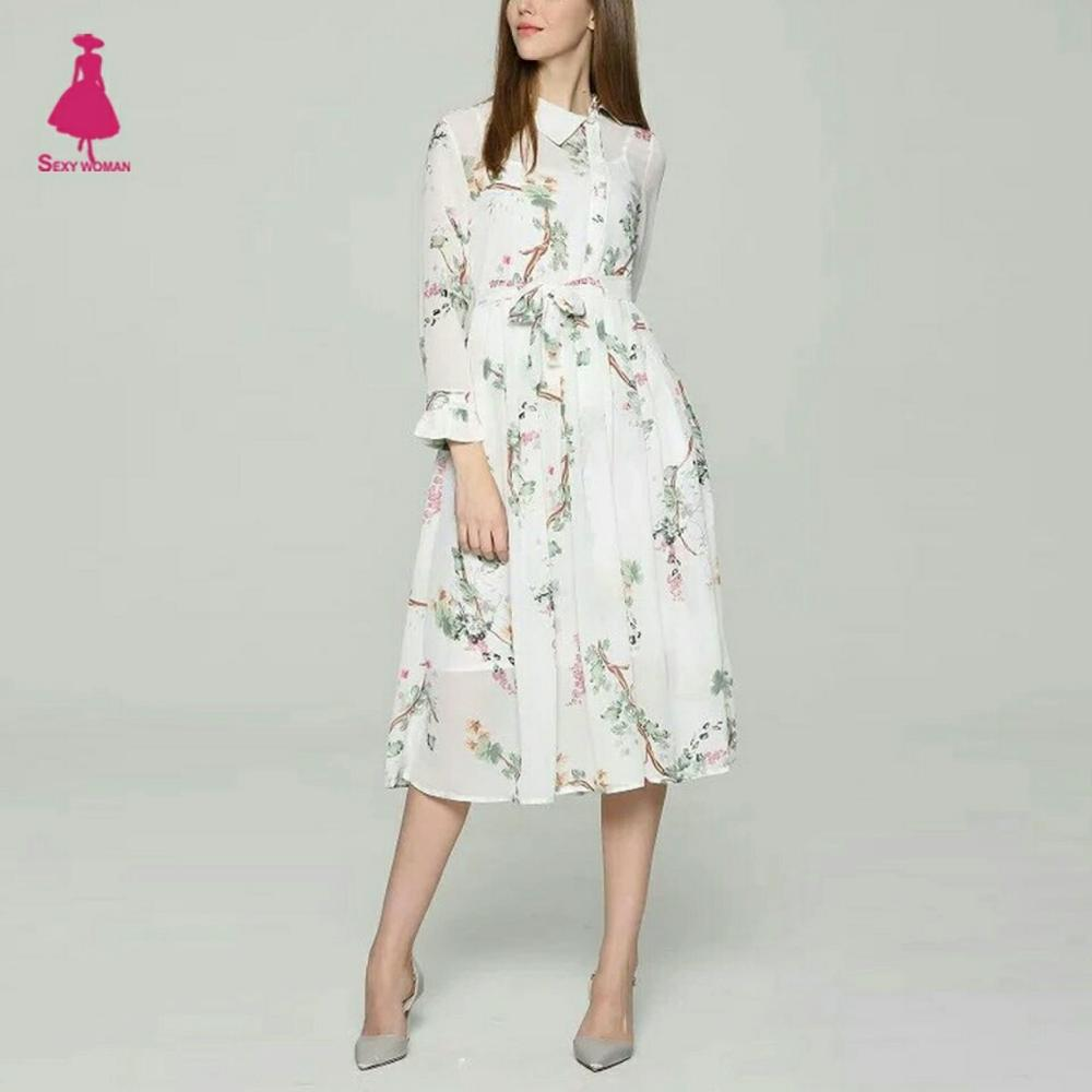 Магазин с очаровательными платьями, бомберами, джинсами в стиле знаменитых брендов