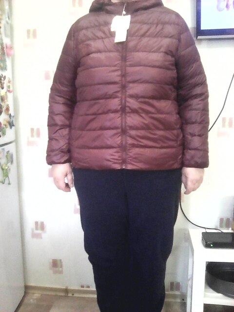 куртка хорошая все как в описании. на 60 р.  рост 1.70 взяла 7xl . по размеру подошло идеально. но длина все таки коротковата на мой рост. хочется прибавить еще одну полоску.наверно буду продовать. внутри пух. на зиму конечно будет в ней холодно. на осень, весну.