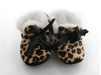 бесплатная доставка! младенцы зимой мех загущающие сапоги первой пешеходов сапоги-бесплатная 12 пар дети varabow туфли prewalker