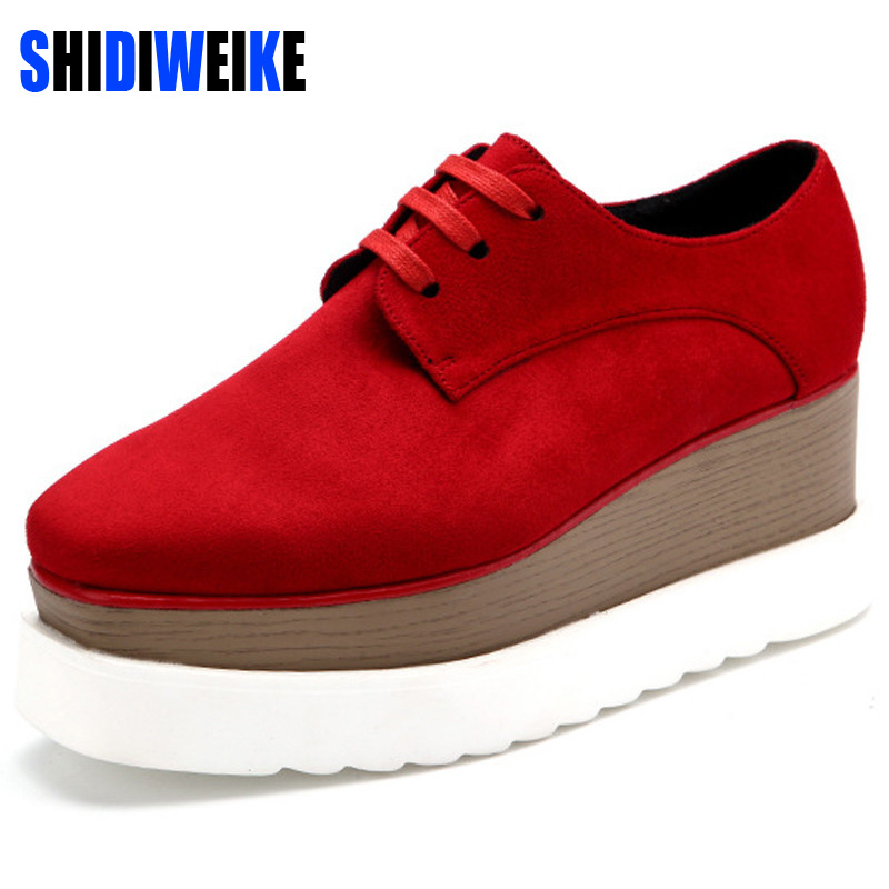 SHIDIWEIKE New Women Platform Oxfords Brogue Flats Shoes Suede Leather Lace Up Square Toe Luxury Brand Red Black Creepers b490 2017 women genuine leather brogue flats shoes patent leather lace up pointed toe luxury brand red blue black pink creepers