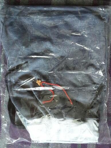 Доставка в Башкирию 49 дней. Трек отслеживался. Заказывала второй раз на подарок. Штаны отличные  XL на рост 178 и вес 70.  Спасибо продавцу за подарочек! Рекомендую!!!