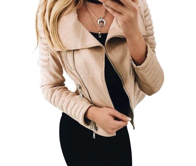Потрясающая курточка, доставка и отгрузка оперативная...но размерчик хотелось бы на 1побольше...а так...супер..рекомендую..спасибо