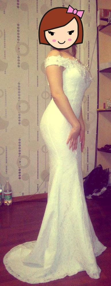 Это платье потрясающее!!!!!!Я ожидала намного хуже!!Но ткань очень хорошая и смотрится очень красиво))Все,как я мечтала!!Огромное спасибо продавцу за моментальную доставку!