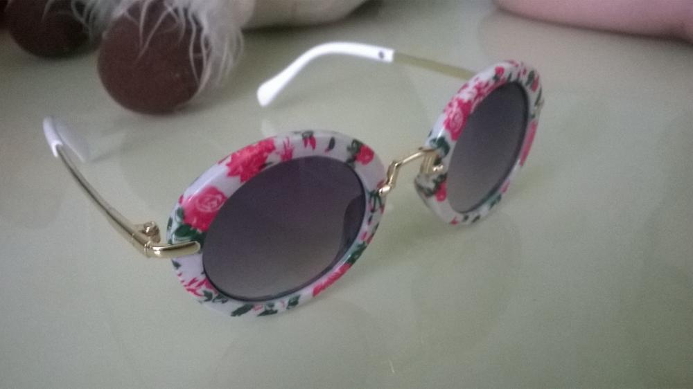 Девочки, очень классные очки!!! Очень довольна!!! хорошо упакованы!!! Дошли за 2 недели в Кемеровскую обл г Белово!!! Дочь в восторге) смотрятся суперррр))) Спасибо продавцу))) закажу еще)