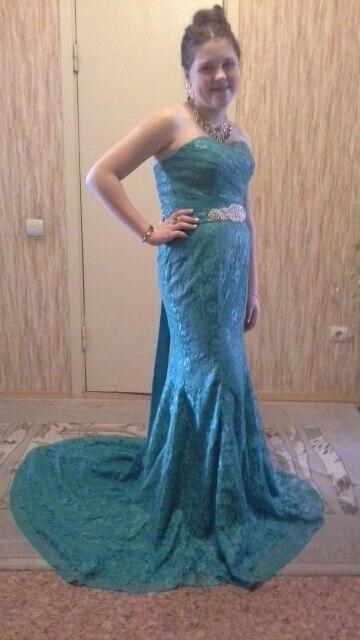 красивое платье, красивый цвет, 4 размер на российский 42-46