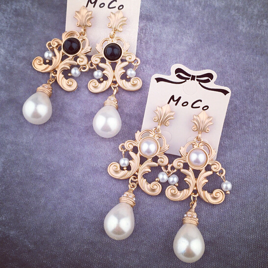 Fashion vintage flower Imitation pearl earrings for women drop earring pearl jewelry Vintage Patterned Gold Color