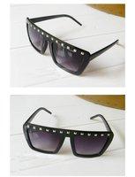 100% ultraviolet материал гонконг стиль заклёпка черный женщины cone очки ЗП-020
