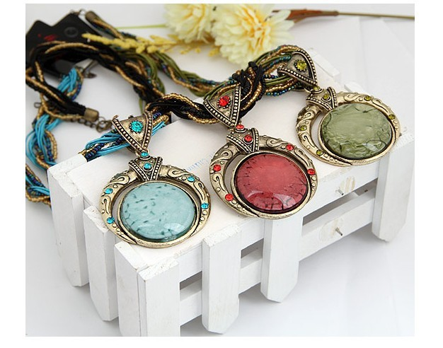 F&U Retro Bohemia Necklace Crack Round Pendant Multilayer Colorful Beads Chain Vintage Necklace Jewelry Fashion For Women 8