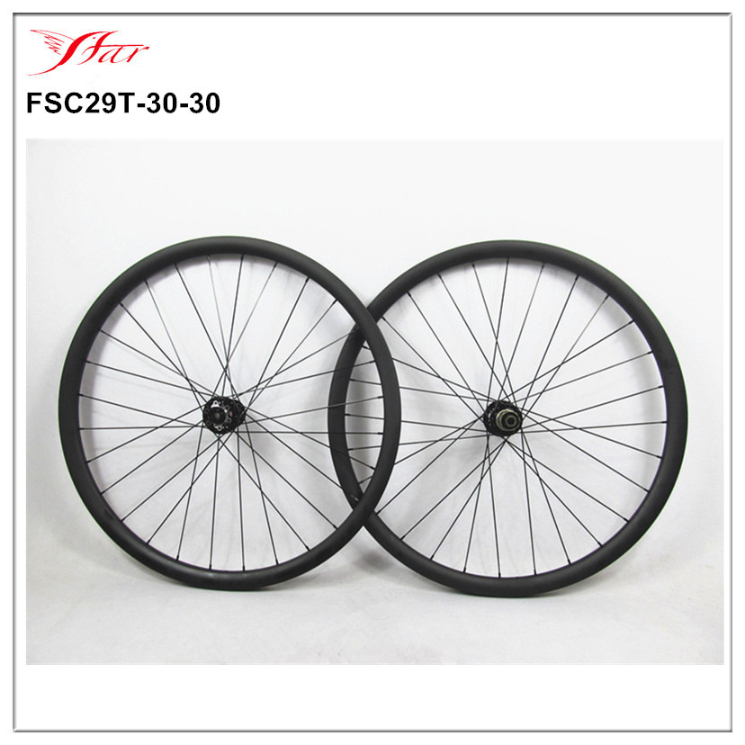 China Toray carbon mountain bicycle wheelset 29er 30mm wide carbon MTB bicycle wheels with Novatec mtb hubs , Sapim spoke light bicycle roda mtb 29 carbon rear wheels