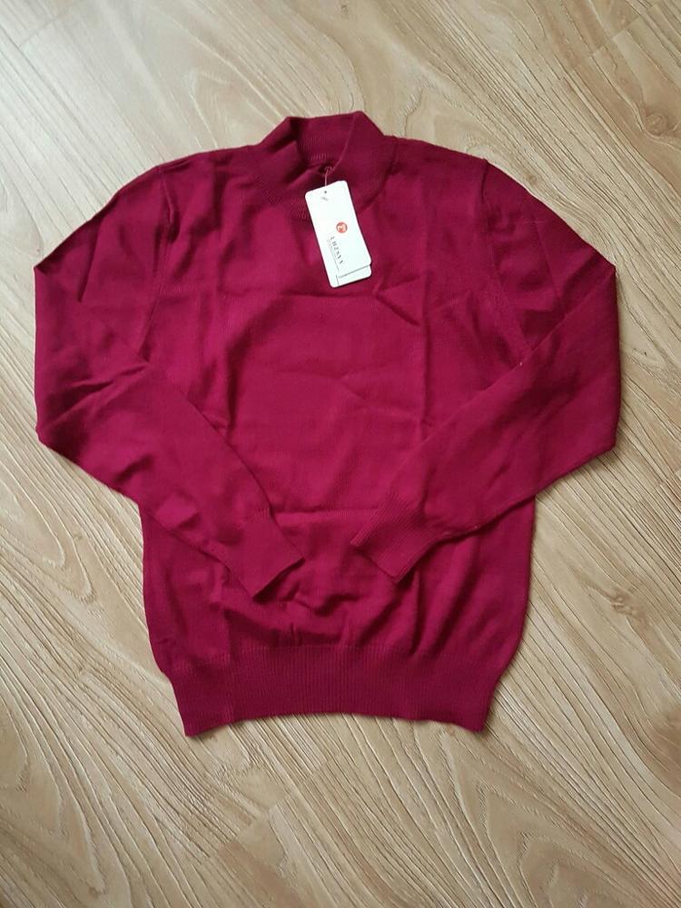 Очень приличный свитерок, мягкий, к телу приятный, тонкий и теплый