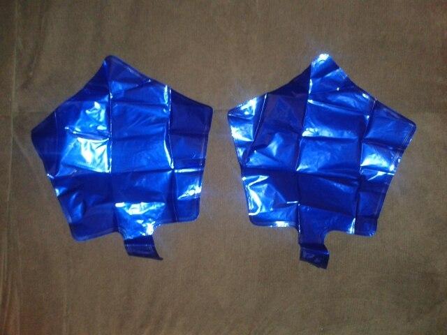 заказ шел месяц. звездочки красивые. заказывала синего цвета. для примеры положила др.звездочку. мы ее надели в мае месяце,она целая уже 8 месяцев)))