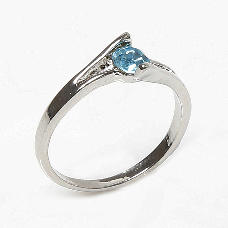 New 2016 Wholesale Wedding Jewelry Stone Rings For Women Crystal Engagement Silver Zircon Charming Bijouterie White Blue