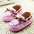 2016 Nuevos Bebés Del Niño Zapatos Mocasines Casuales Rosa Borlas de Cuero Suave de Los Bebés Zapatos Primeros Caminante Infantil Sapatos 0-18 M
