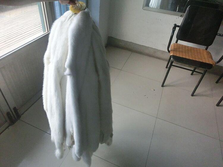 Peaux de fourrure de vison crues/peaux de fourrure de vison blanc naturel