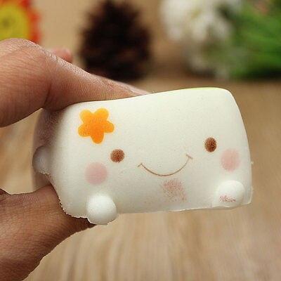 imágenes para 10 Unids/lote 7 cm suave perfumado Pastel kawaii blando Lindo Tofu queeze Lento Aumento de Niños de Regalo Correa del teléfono colgante pan venta al por mayor