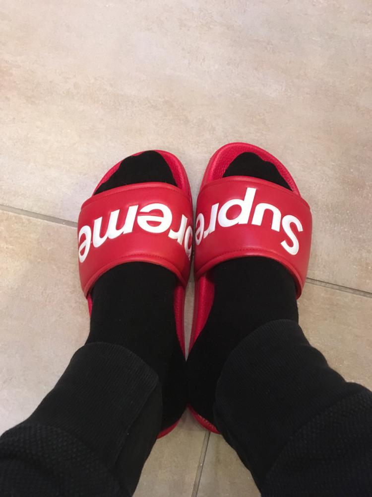 1e924044e17d 100% Authentic SUPREME SLIDES SANDALS SLIPPERS FLIP FLOPS RE Superme Slides Sandals  Slippers Red Box Logo ...