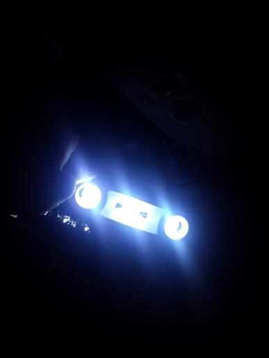 kargo 2 haftada filan geldi,ışık şiddeti çok iyi tavsiye ederim,megane 3 aracımda hata vermedi,tavan ve bagaj aydınlatmasında kullandım.teşekkürler.
