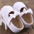 2016 Ребенка Малыша Первые Ходоки Мягкой Подошвой Prewalker Обувь Бантом в форме Сердца Новорожденных Девочек Sapatos Chaussures Филь 0-18 M