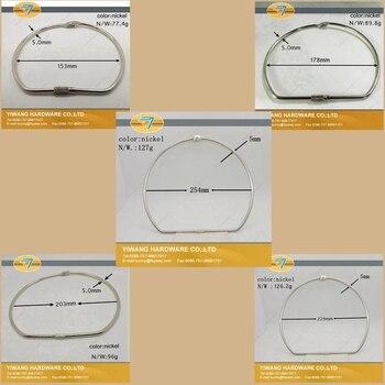 90afa7f1fdc8 Fabricante directo AliExpress ventas bien alta calidad niquelado anillo  colgante en forma de D llavero tarjetas carpeta al por mayor