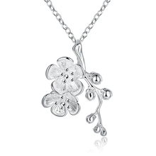 Lureme Fashion Elegant Style Silver Plated Jewelry Plum Flower Pendant Necklace for Women (01003792)