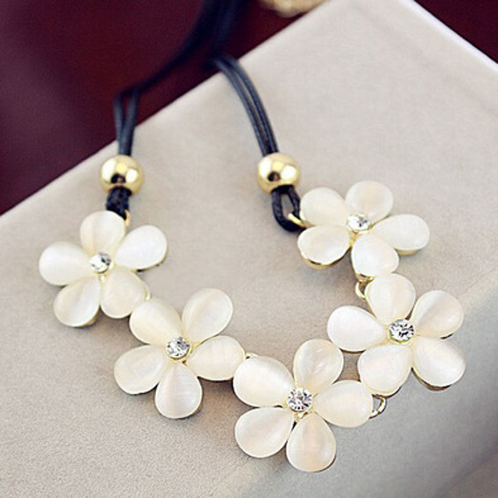 Korean Luxury Elegant Women Leather Opal Flowers Necklace Sparking Crystal Pendant Necklace fashion Jewelry