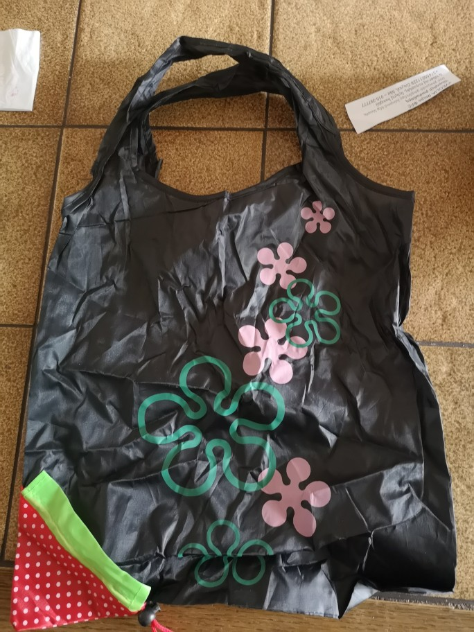 Woweino Happy Gifts 53 x 38cm Storage Bag Travel Home New Simple Strawberry Fruit Green Folding Convenience Shopping Bag photo review