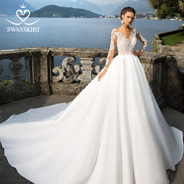 Swanskirt Scoop Satin Wedding Dresses 2020 Appliques Long Sleeve A Line Chapel Train Princess Bride Gown Vestido de Noiva I140