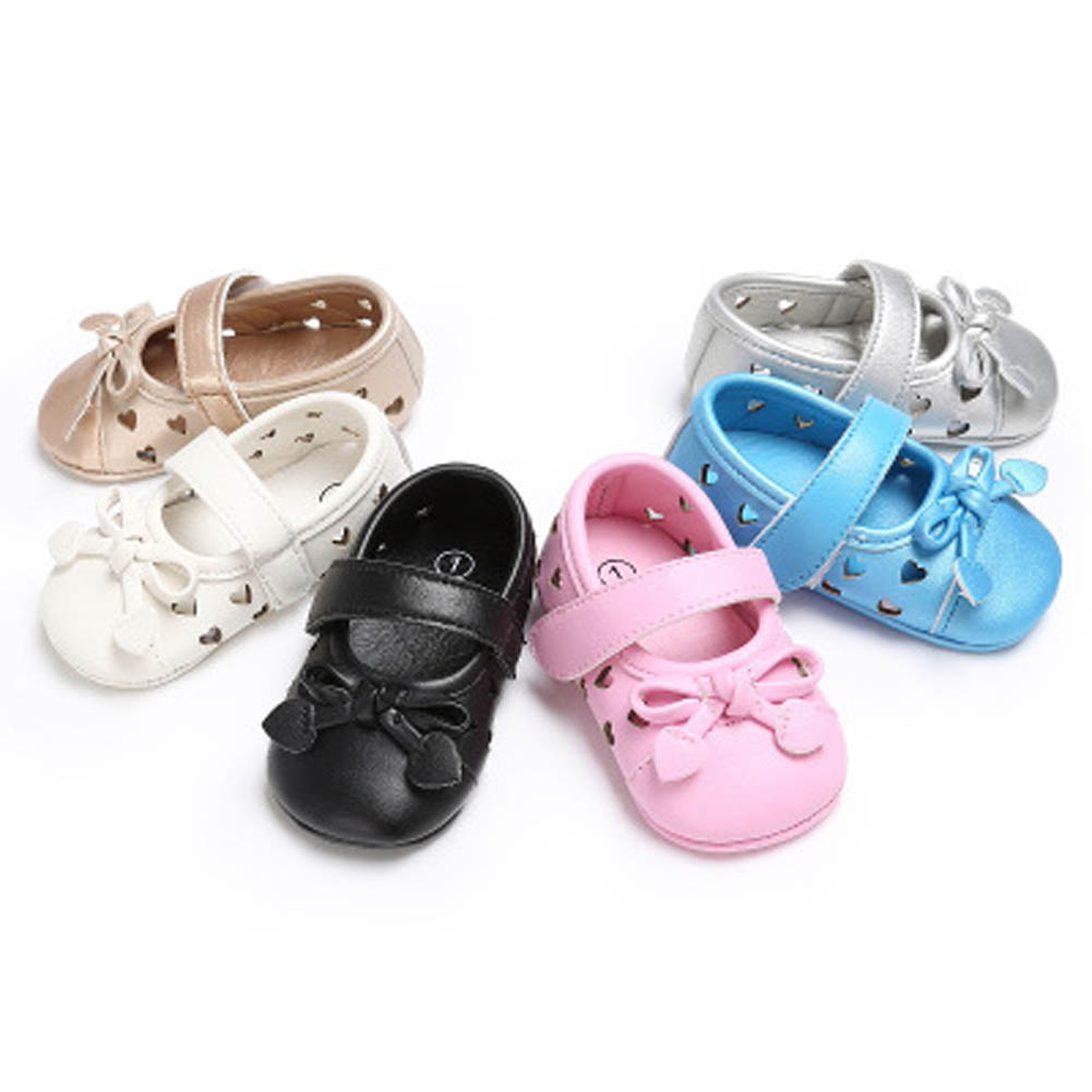 New Fashion Hollow Infant Girls Mary Jane Shoes Soft Bottom Crib Princess Baby Newborn First Walkers Heart Style Dress Footwear