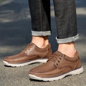 Image 2 - DEVE Hakiki Deri erkek ayakkabıları İlkbahar Yaz Yumuşak Inek Derisi erkek Loaferlar Hafif Nefes Delik Erkekler rahat ayakkabılar