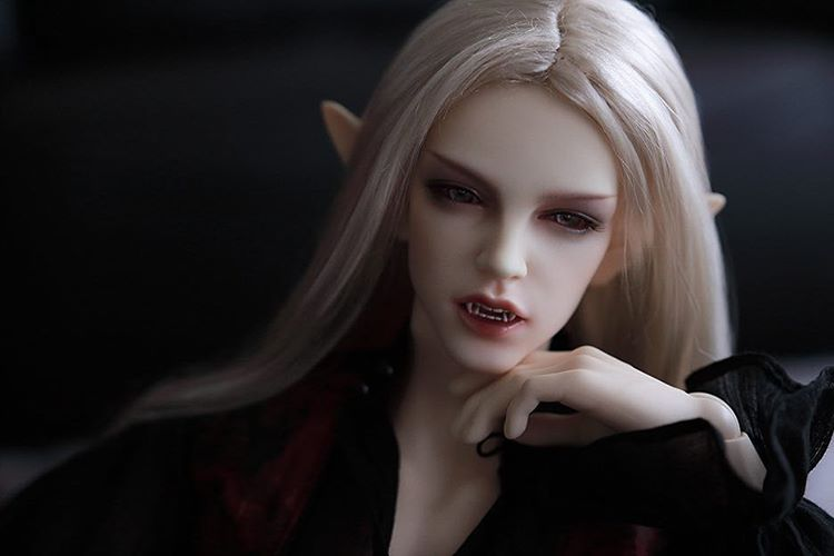 HeHeBJD 1/4 Human Body 49.5cm Fid Claude Vampire  Free Eyes Resin Popular Dolls