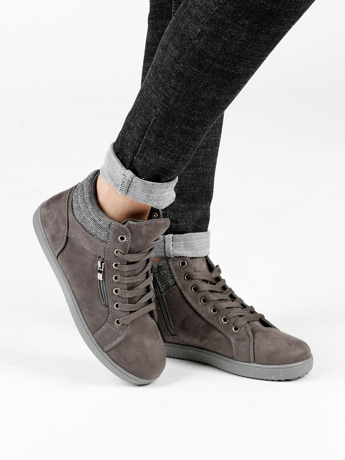 High Top Sneakers Suede