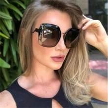 0c9fe6005 2019 Mais Novo Designer de Verão Na Moda Óculos Quadrados Quadro Óculos De Sol  Mulheres Famosa Marca Italiana de Cristal Preto E..