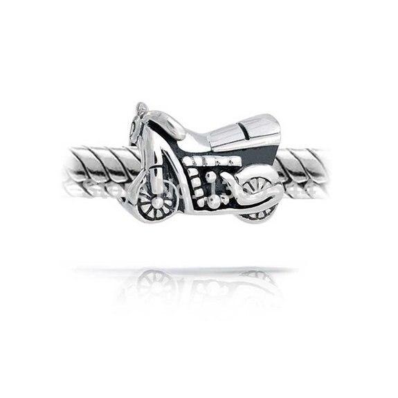 moto pandora charm