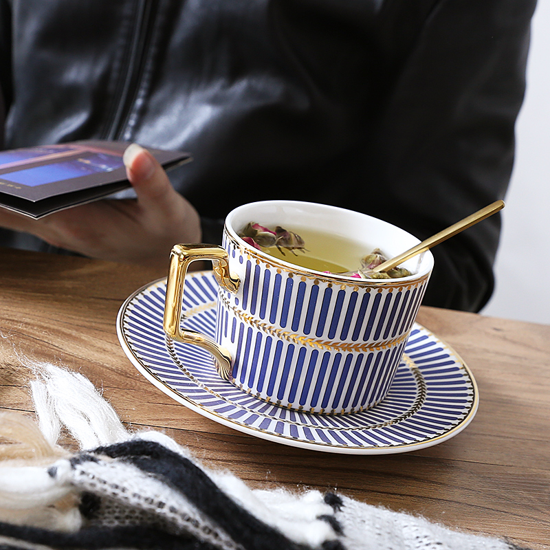 British Style Classic Gold plated porcelain Mug Cup Lovers Bone china Coffee Cup With a spoon
