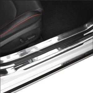 Image 4 - Bande de protection pour portes de voiture, garniture pour pare chocs avant, en Fiber de carbone, autocollants pour porte de voiture, chrome, style