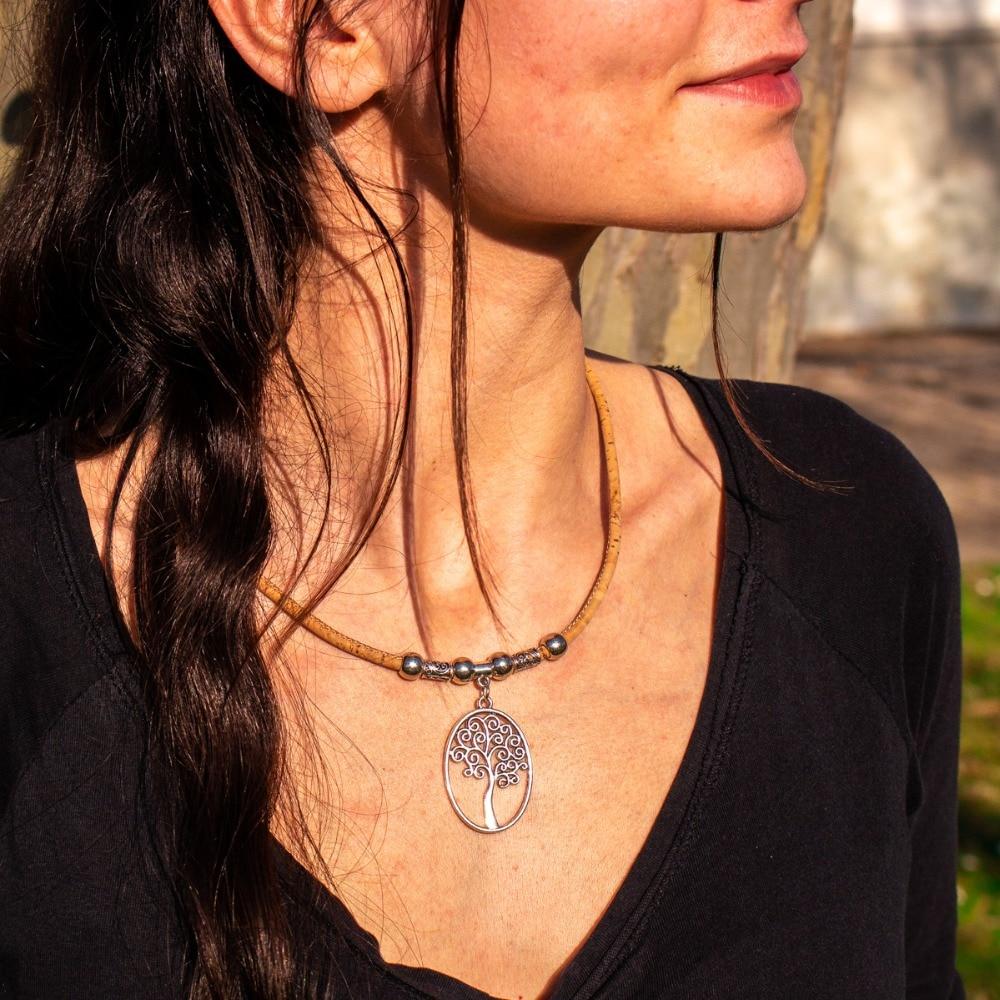 US $1.99 |Natuurlijke Kurk gemaakt leven van boom vrouwen ketting Vintage handgemaakte originele houten sieraden Uit PortugalEuropa N 98 in Hanger