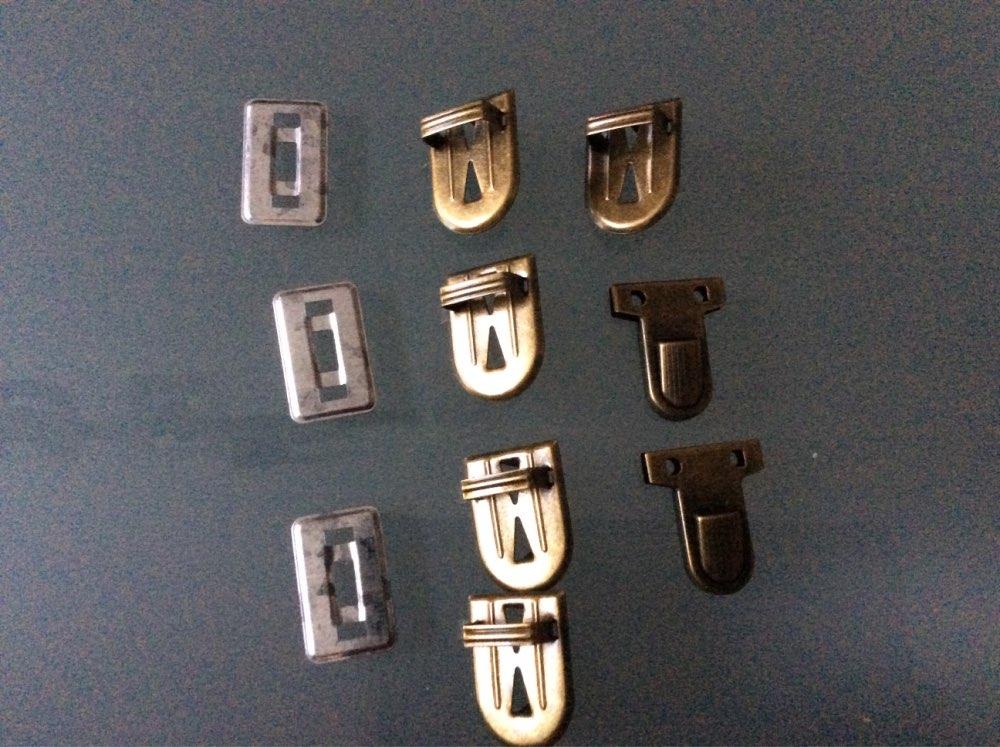 """PACGOTH Op ijzer gebaseerde armband Portemonnee handtas Slot Sluitingen Sluiting Antiek Brons 35mm (1 3 / 8 """") x 25mm (1""""), 3 Sets (4 pc's / set) photo review"""
