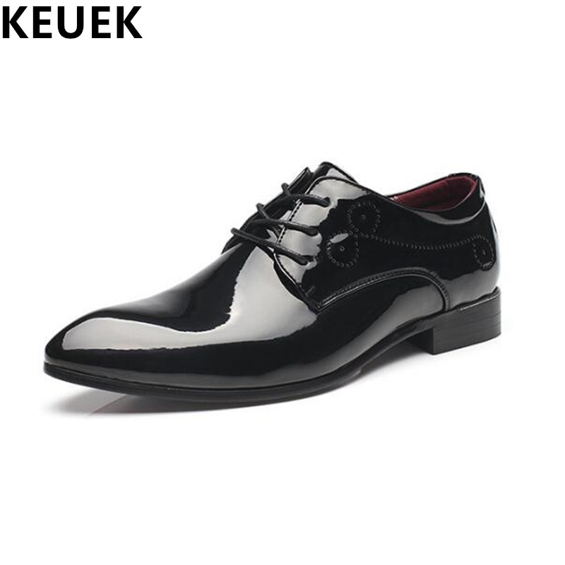 British style Vintage Men Flats Cow Split leather Brogue Shoes Pointed Toe Casual Dress Business shoes Oxfords 022 pointed toe tassel leather shoes men slip on brogue shoes flats british style rivet shoes casual loafers chaussure homme 022